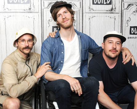 Sing and Learn: Portugal. The Man – Feel It Still